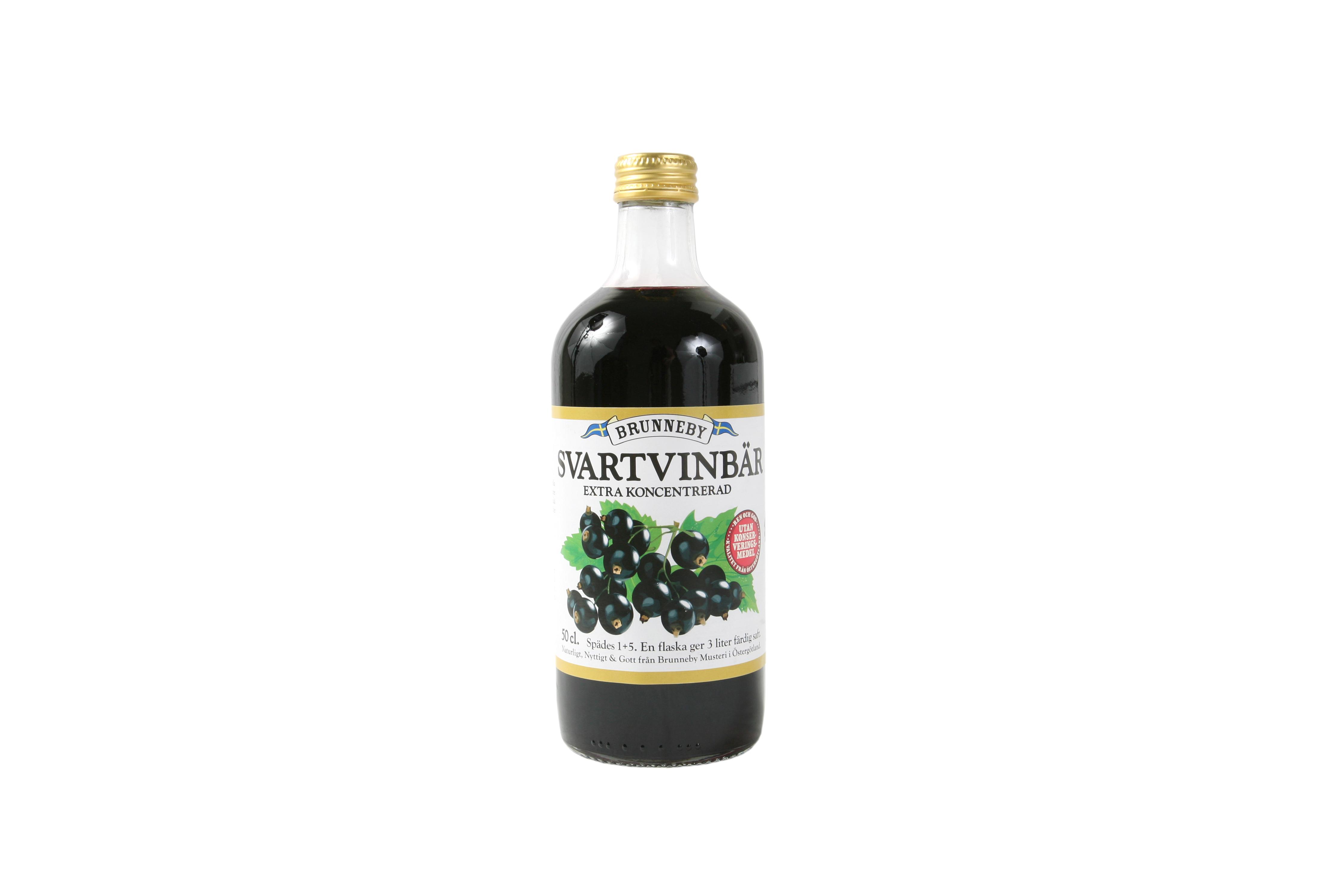 Högupplöst bild på Svartvinbärssaft i 50cl flaska.